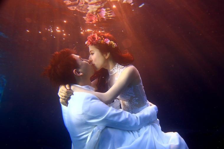 水中婚紗照-高雄婚攝loyal