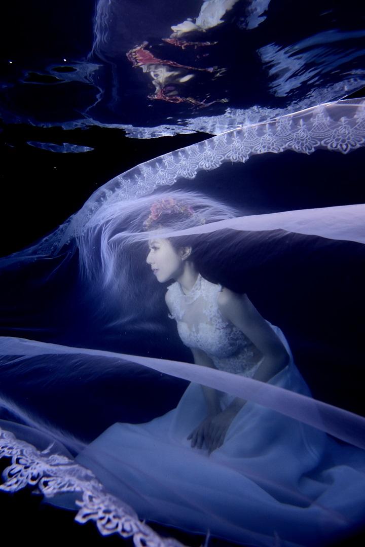 水中婚紗-高雄婚攝Loyal