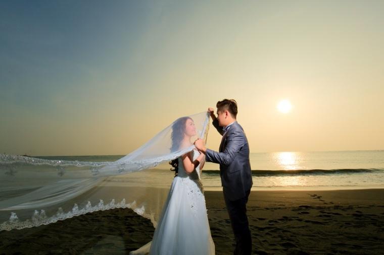 海灘婚紗照-高雄婚攝Loyal